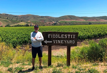 fiddlestix_vineyard_sign 360x250